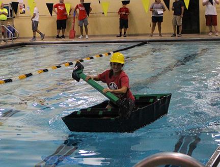 boat_in_pool